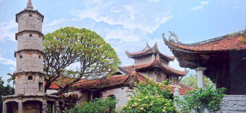 """Tòa bảo tháp """" Báo Nghiên """" vươn mình giữa bầu trời xanh của xứ Kinh Bắc"""