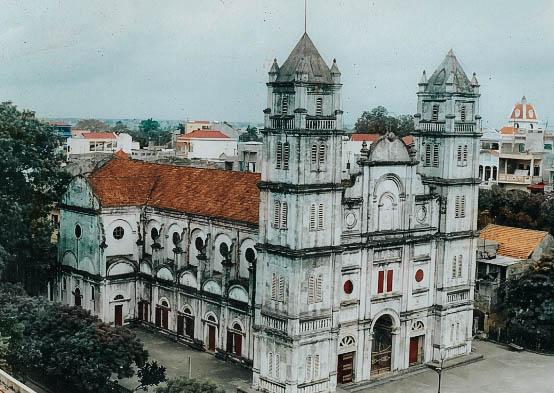 Nhà thờ chính tòa Bắc Ninh nhìn từ trên cao