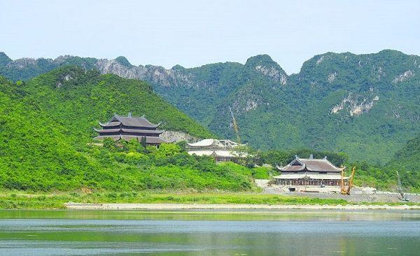 Một góc khu du lịch tâm linh Tam Chúc - Ba Sao Hà Nam